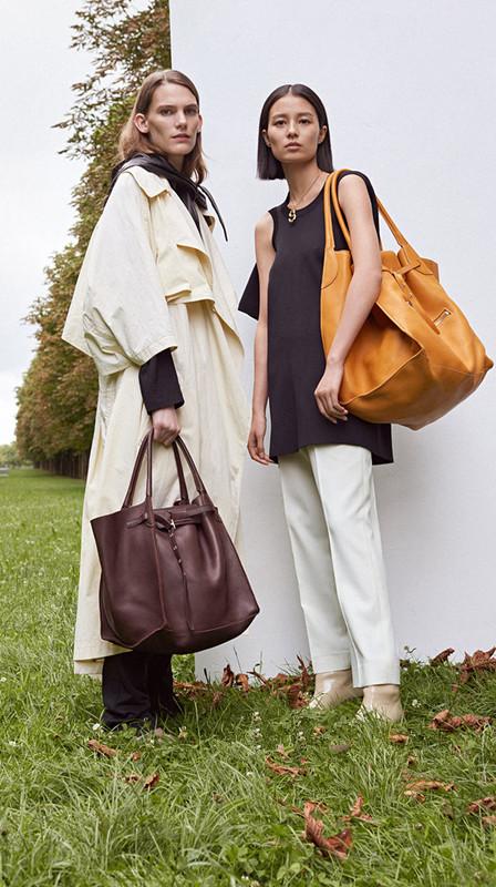 A light-weight Handbag  Mackintosh Raincoat Celine Big Bag Review 2018 2d597725a8463